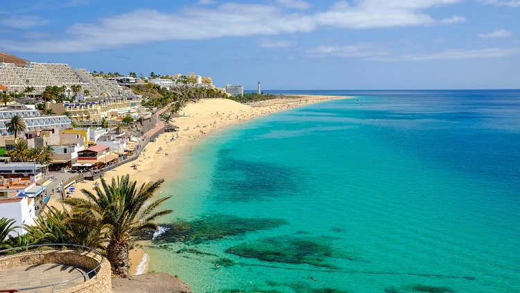 Cheap non-stop flights from German cities to Canary Islands from only €33!